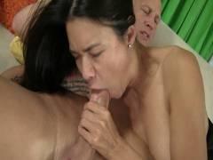 Hot Moms 2